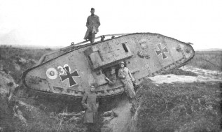 1 English tank captured by Germans
