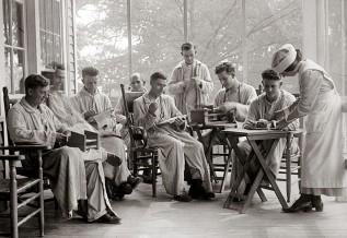 8 Wounded American Soldiers Weaving 1918