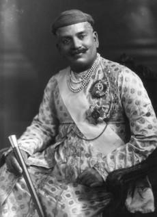 Rajs of India Sayajirao_III_Gaekwad,_Maharaja_of_Borada,_1919 (Wikimedia Commons)